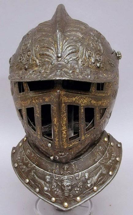 Закрытый шлем штатгальтера Испанских Нидерландов Фернандо Альвареса де Толедо, герцога Альбы. Милан. Около 1570 г.