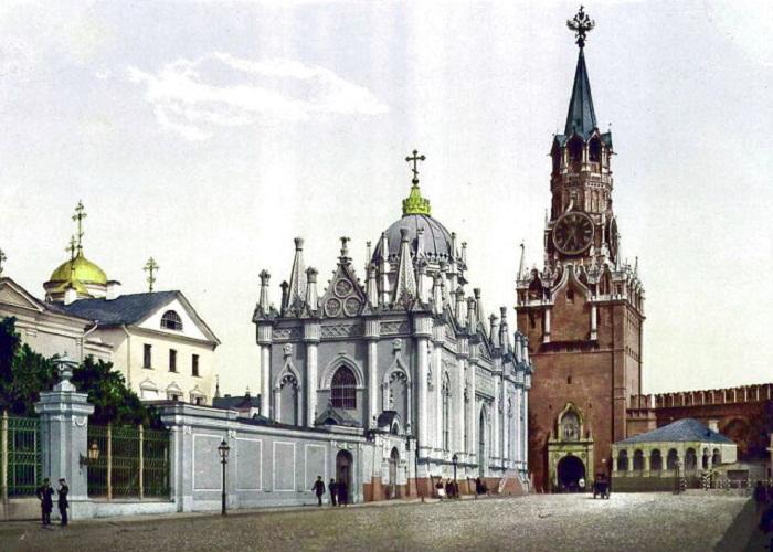 Спасская башня с орлом