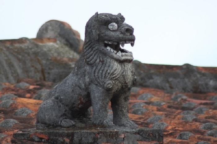 Памятник Шисе