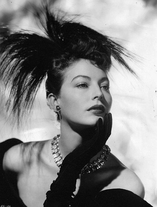 """Ава Гарднер в ожерелье от Джозефа. """"One Touch of Venus""""(1948)"""