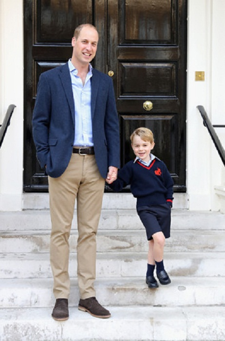Принц Джордж с папой в свой первый день в школе, 7 сентября 2017 года