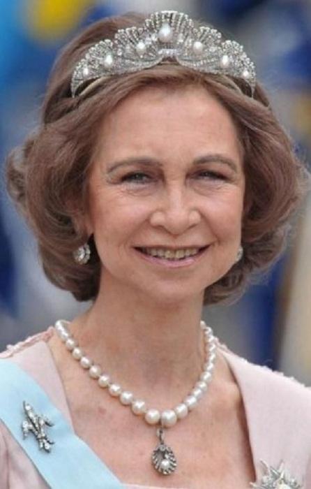 Королева София в тиаре «Морская раковина»