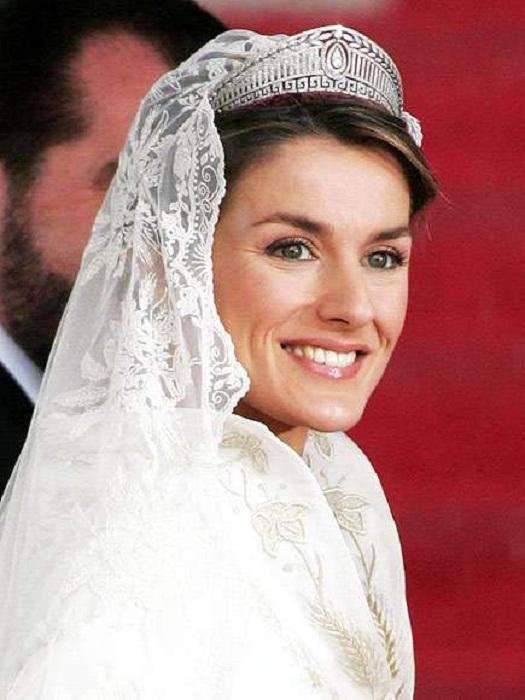 Летиция в платиновой тиаре в день своей свадьбы в 2004 году.