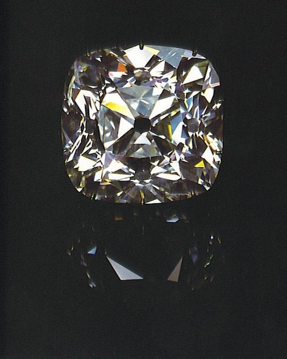 Алмаз «Регент» - самый крупный из всех алмазов на короне
