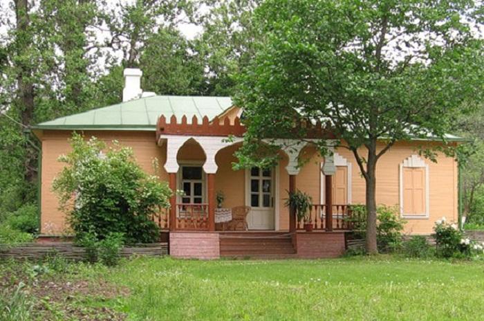 Дом семьи Чеховых в усадьбе Мелихово