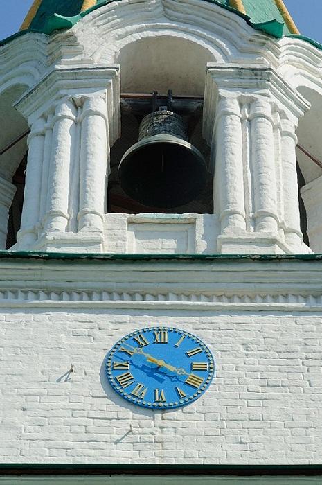 Часы с Сухаревой башни, установлены на башне Передних ворот усадьбы Коломенское