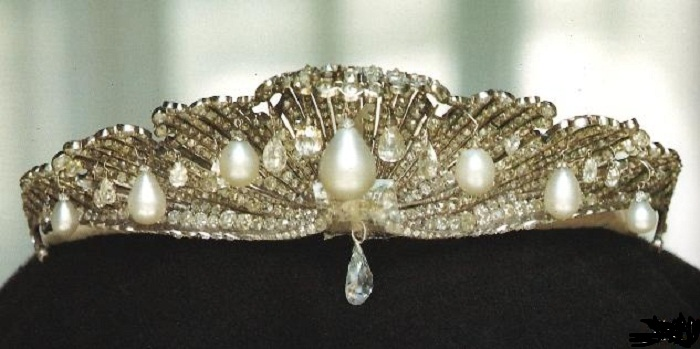 Тиара «Морская раковина». Платина, бриллианты и жемчуг. 1867 год