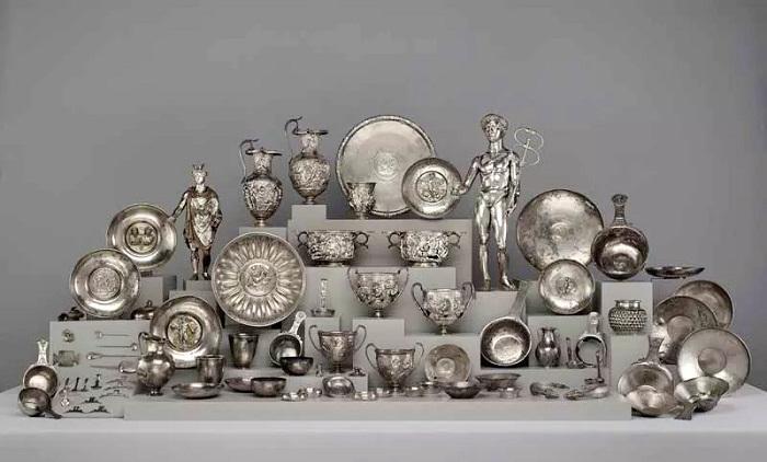 The Berthouville Treasure. Национальная библиотека Франции, отдел Монет, Медалей и Антиквариата, Париж