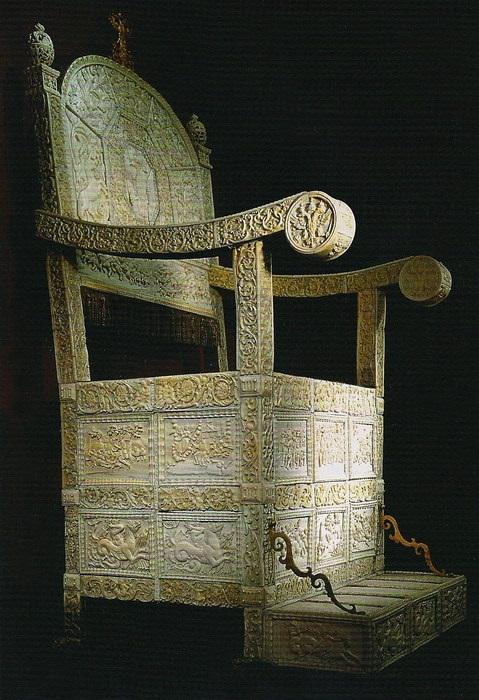 Трон царя Иоанна IV Грозного. XVI в. Западная Европа, XVI век. Слоновая кость, резьба, литьё, золочение.
