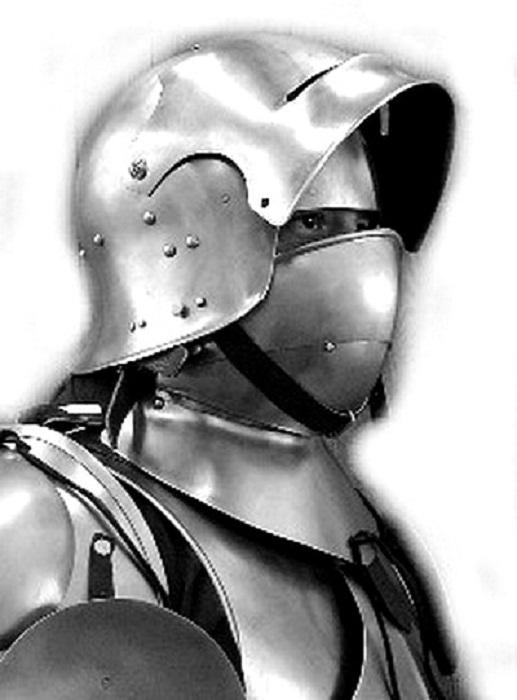 Полный комплект - шлем, горжет и подбородник
