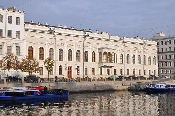 Дворец Нарышкиных-Шуваловых