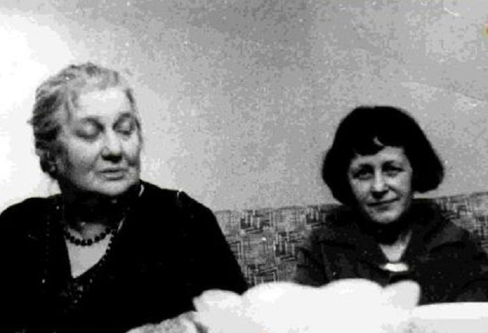 Анна Ахматова и Мария Петровых