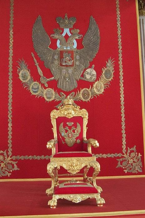 Трон императрицы Анны Иоановны