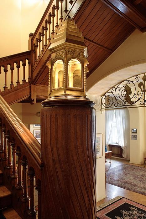 Лестничный холл в доме
