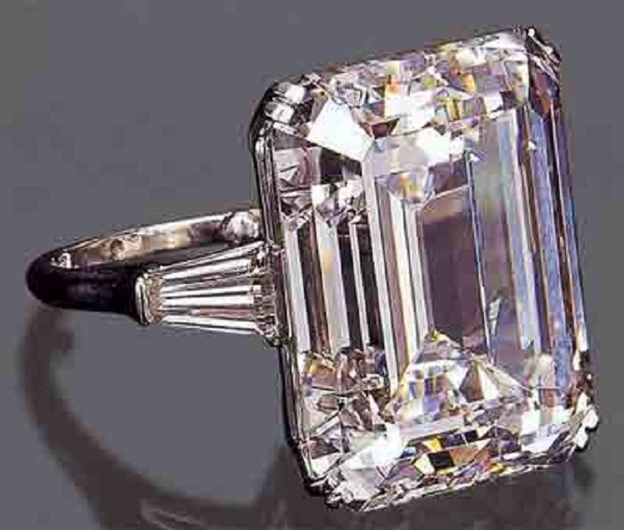 Обручальное кольцо Сорайи