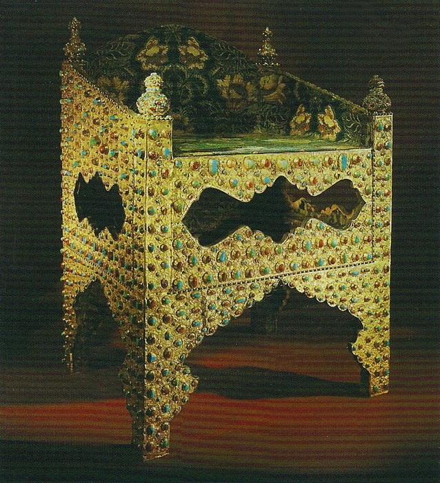 Трон персидского шаха Аббаса I Подарок царю Борису Годунову. Персия. Золото, драгоценные камни, канафарение, басма