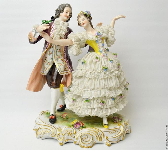 Антикварная статуэтка «Менуэт». Volkstedt Германия 1900