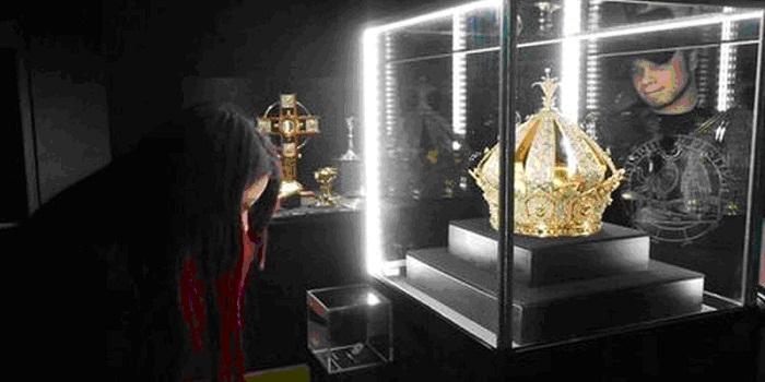 Украденная корона Девы Марии.