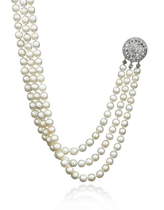 Жемчужное ожерелье. Натуральный жемчуг и бриллиантовый зажим