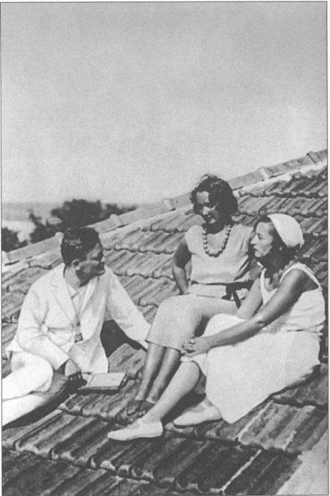 Олеша с Лидией Багрицкой-Суок и Симой Суок