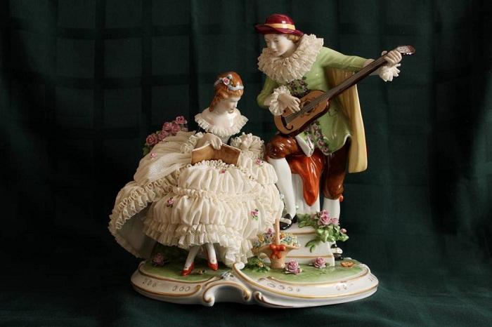 «Арлекин и дама с книгой», Unterweissbach