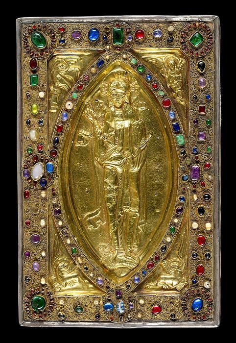 Ювелирное покрытие с серебряными позолоченными фигурами Христа и четырех евангелистов. Последняя треть одиннадцатого века