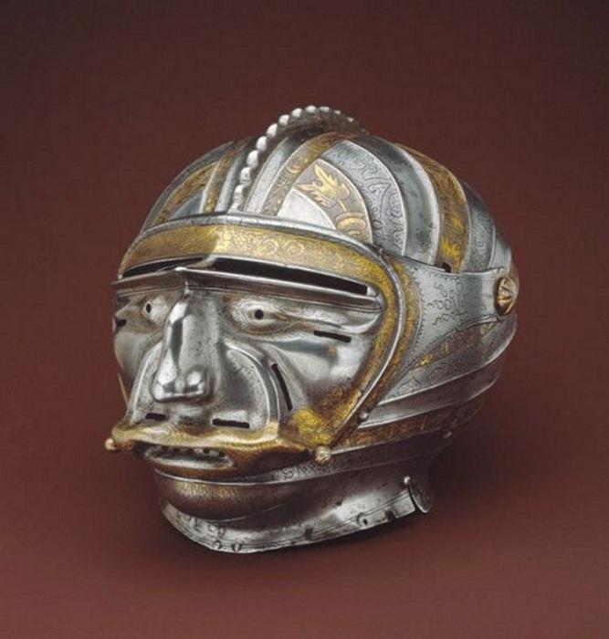 Закрытый шлем-маска 1515 г. Кольман Хельсшмидт. Вес 2146 г. Аугсбург, Германия, 1515