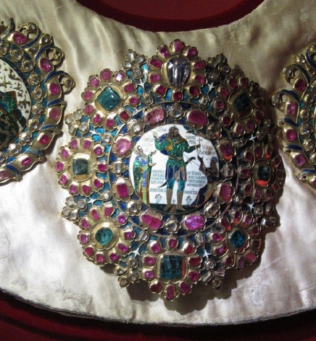 Св. Василий Великий и св. воин Меркурий, поражающий копьем имп. Юлиана