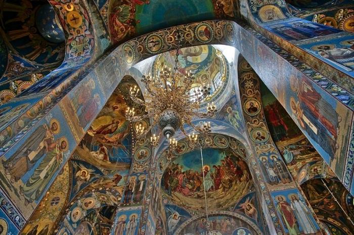 Мозаика в интерьере собора