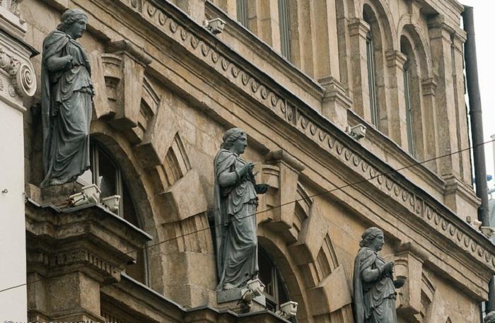 Статуи богини Гигии