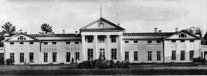 Фасад господского дома. 19 век