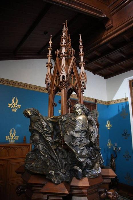 Скульптура Врубеля «Роберт и монахини». Фото Юрия Феклистова