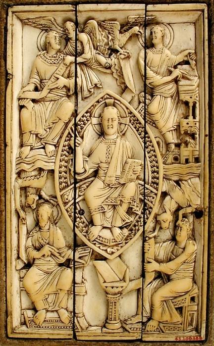 Christ in Majesty and the Four Evangelists, 11 век, Германия, слоновая кость.