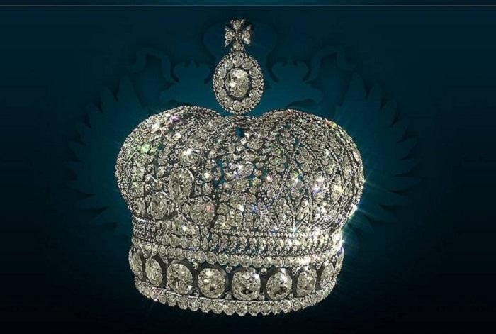 Малая императорская корона Российской империи Бриллианты, серебро.Высота с крестом 13 см
