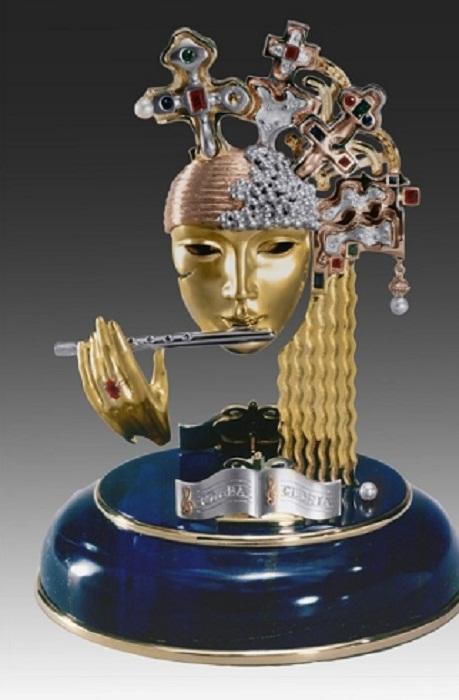 Статуэтка Глория. Золото, платина, рубины, сапфиры, бриллианты и жемчуг