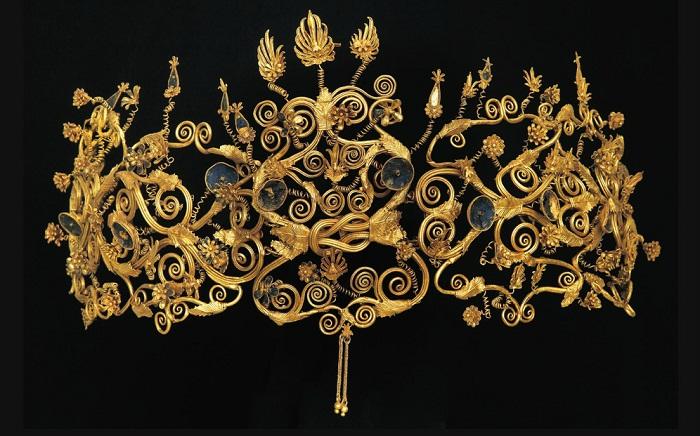 Диадема с растительным узором. Археологический музей, Салоники