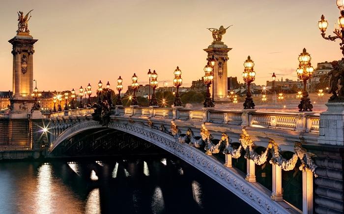 Париж...