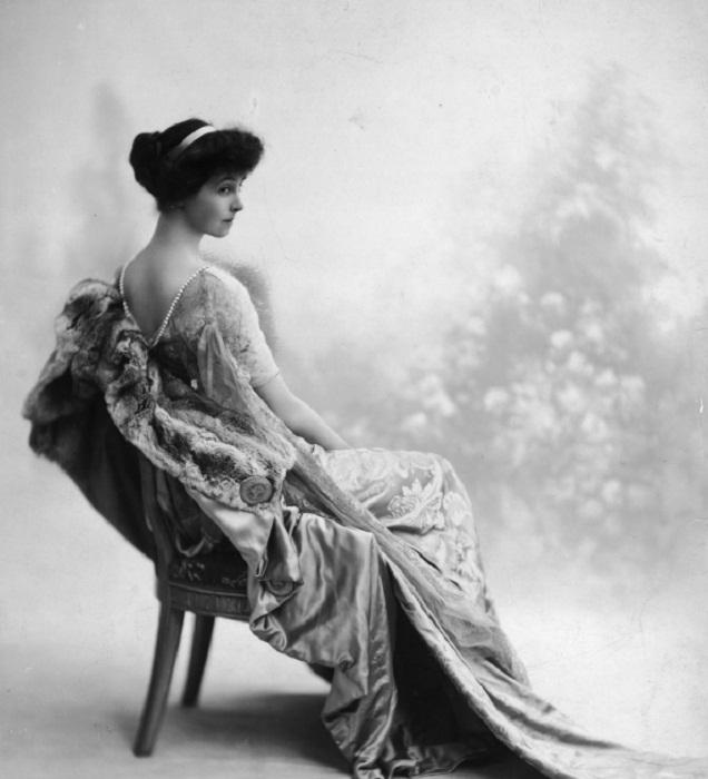 Известный портрет Консуэло Вандербильт во время ее брака с Герцогом Мальборо, приблизительно 1911 (Архив/Getty Images Hulton)