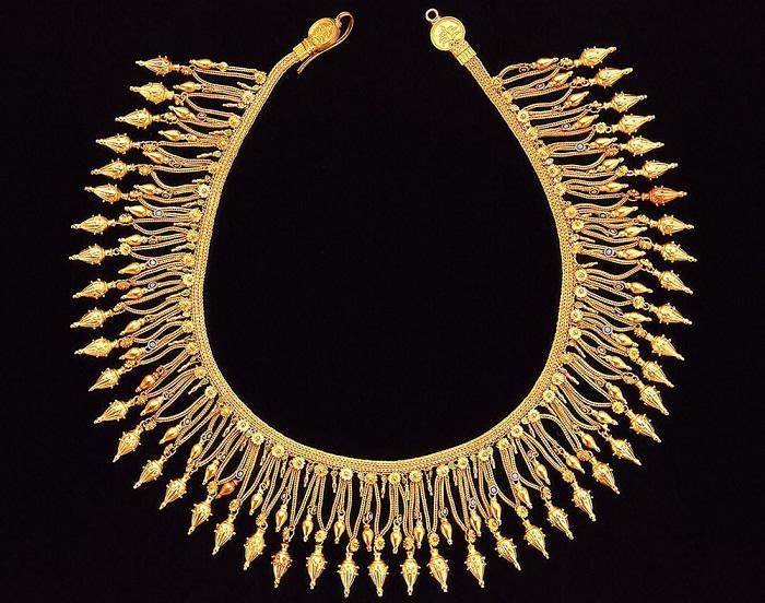 Золотое ожерелье IV в. до н.э.