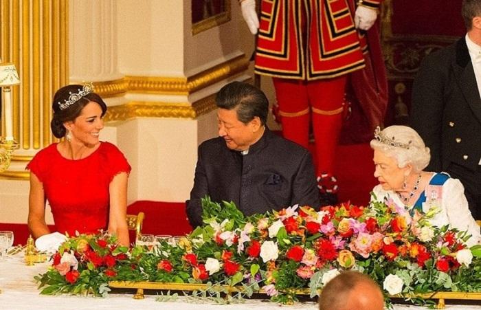 Герцогиня на дипломатическом приеме в Букингемском дворце в декабре 2013 года