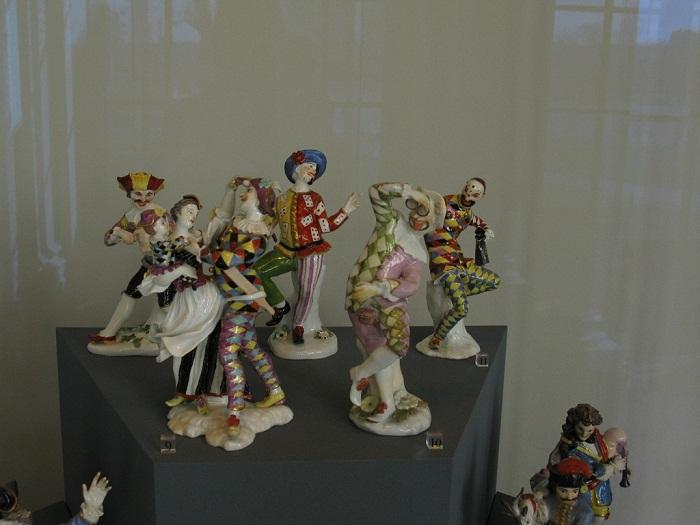 Фигурки персонажей итальянской комедии дель арте, 1735-1767 гг. Автор большинства моделей — И. Кендлер