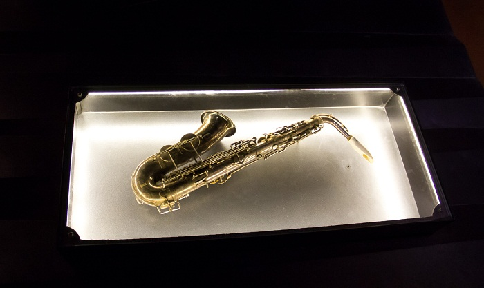 Первый оригинальный саксофон в музее Сакса в Динане