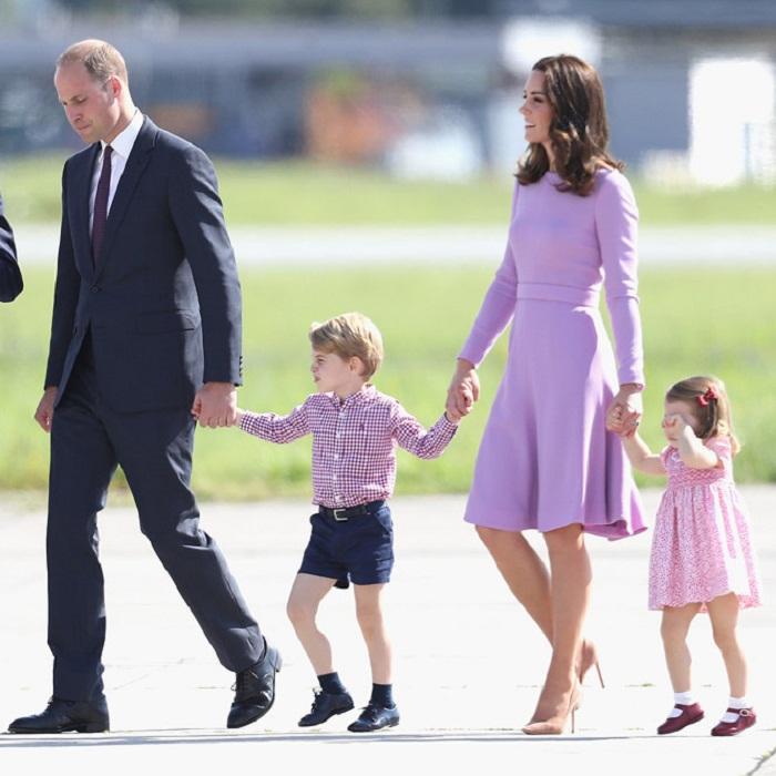 Семья Кембриджских в аэропорту Гамбурга, 21 июля 2017 года