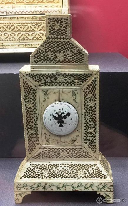 Настольный кабинетик-подчасник VVIII век моржовая кость