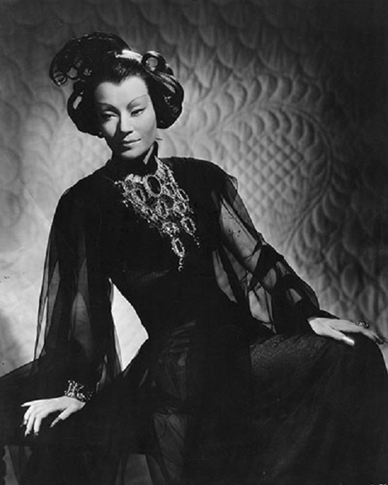 "Ona Munson в ожерелье от Джозефа. ""Shanghai Gesture""(1941 г.)"