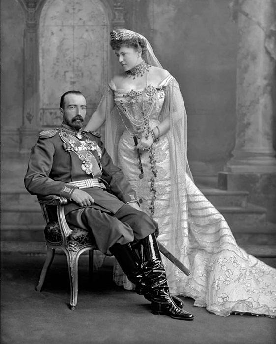 Супруги Михаил Михайлович Романов и София Николаевна Меренберг