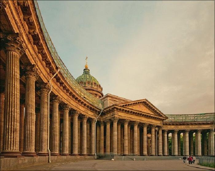 Внешние колонны Казанского собора