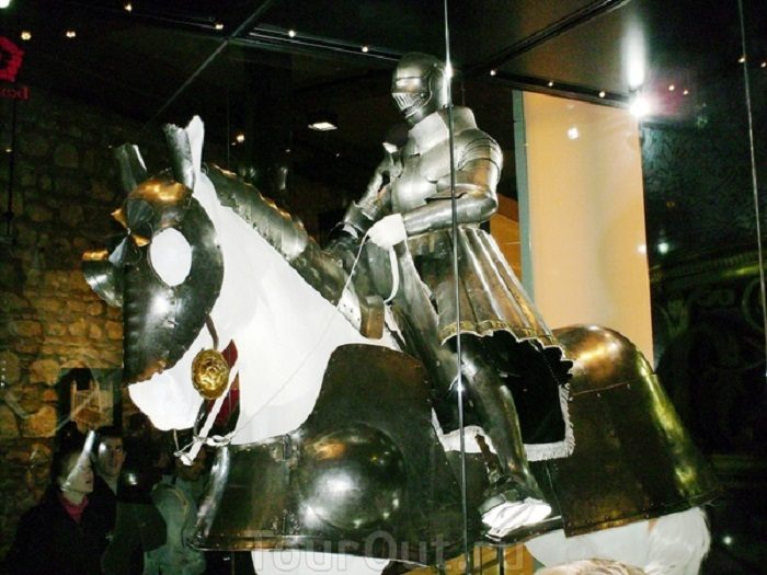 Доспех Генриха VIII 1514-1515. Из книги Arms and Armour of the Medieval Knight