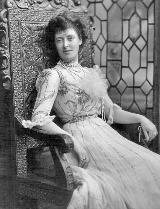 Маргарет Гревилл - большая любительница украшений