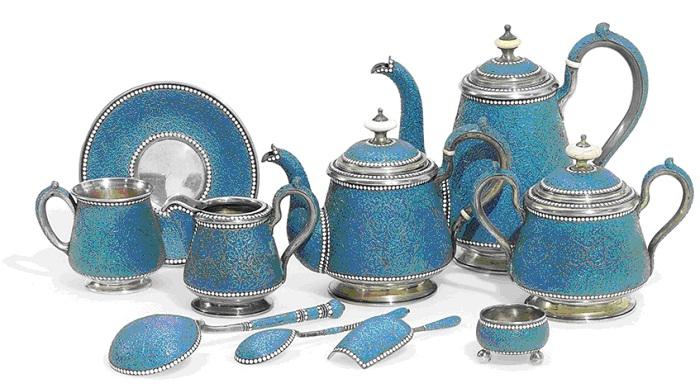 Чайно-кофейный сервиз 1890–1892 гг. Оценен а. д. Christie's в 15000–25000 USD (апрель 2000 г.)